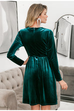 Load image into Gallery viewer, Velvet dress for party green