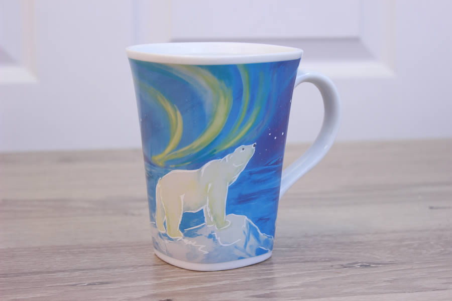 Majestic Polar Bear - Color Changing Story Mug