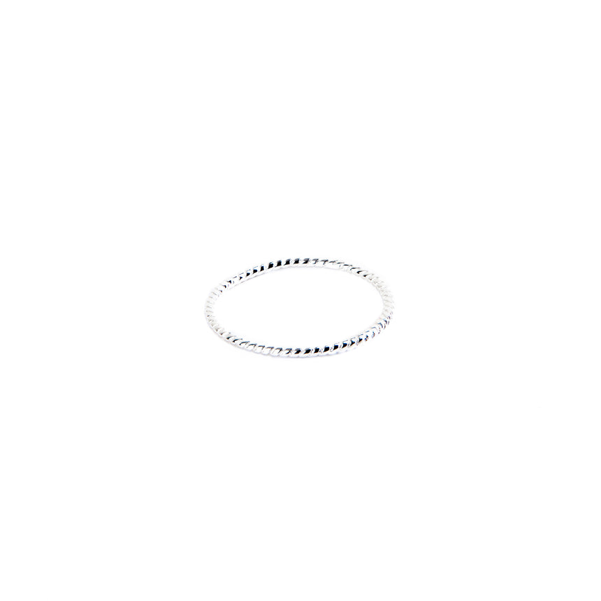 B.P. | SINGLE TWIST FINE LINE RING