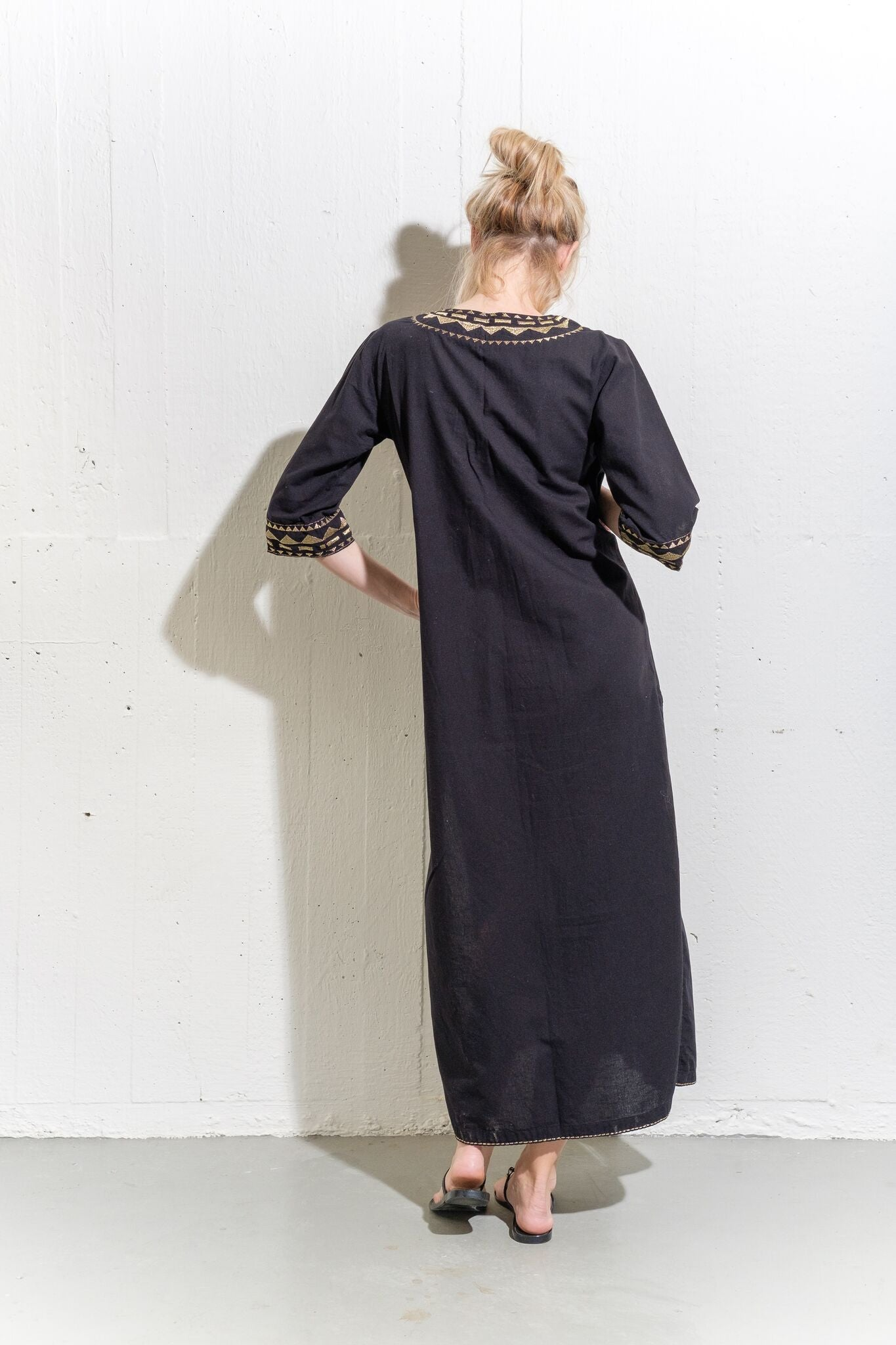 Marrakech-Black and gold kaftan long