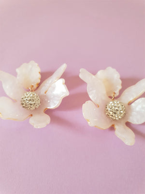 OVER-SIZED RESIN FLOWER EARRINGS