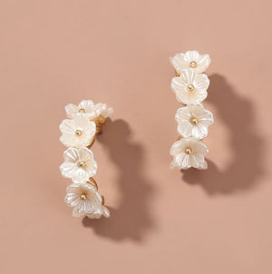 THE COLETTE FLORAL HOOPS