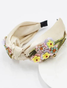 THE FREYA BEADED BAND