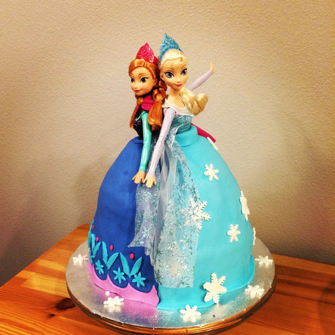 FROZEN THEME DOLL CAKE