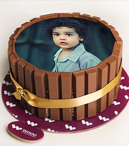 ROUND KITKAT PHOTO CAKE