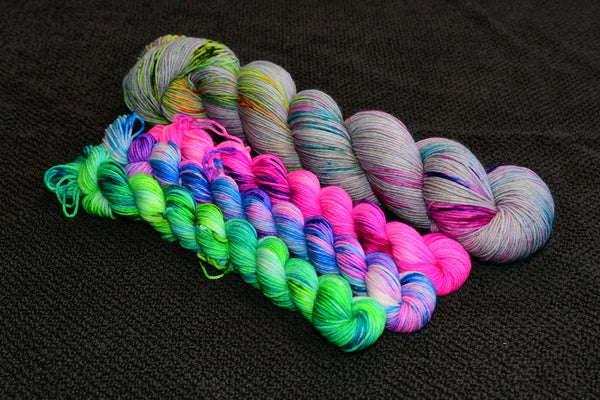 Twist & Shout Speckled Sock Set with 3x20g Mini Skein
