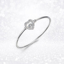 Load image into Gallery viewer, Luxe Heart Bangle