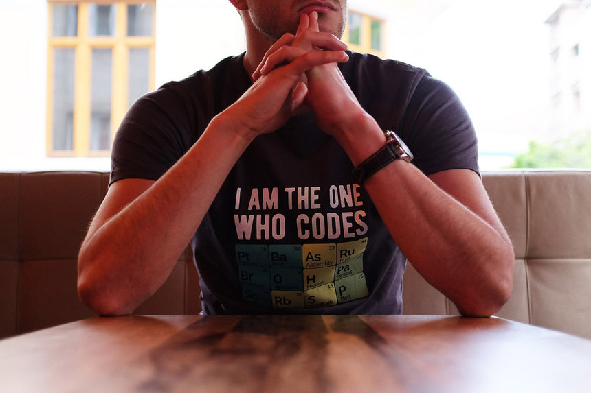 I am the one who codes | T-shirt