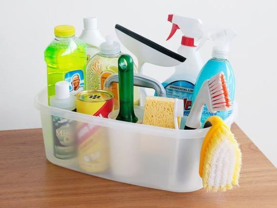 8 ESSENTIAL TIPS TO GET YOU THROUGH SPRING CLEANING YOUR HOUSE!