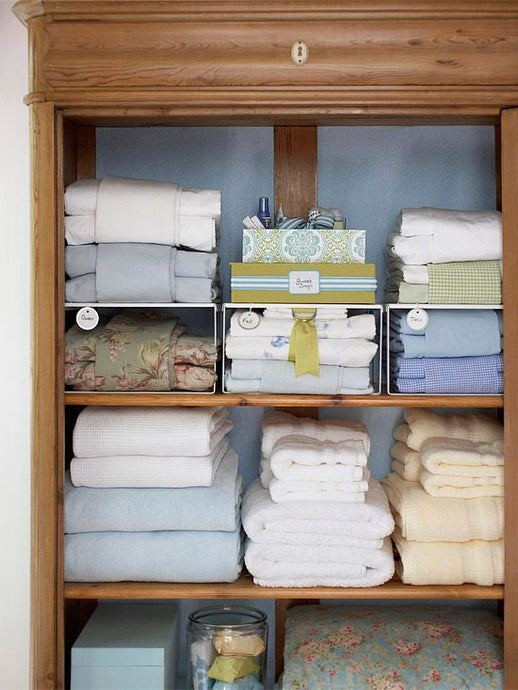 HOW TO DE-CLUTTER YOUR HOME ON A BUDGET