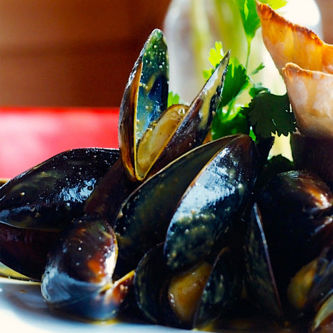Curried Mussels (SERVES 2)