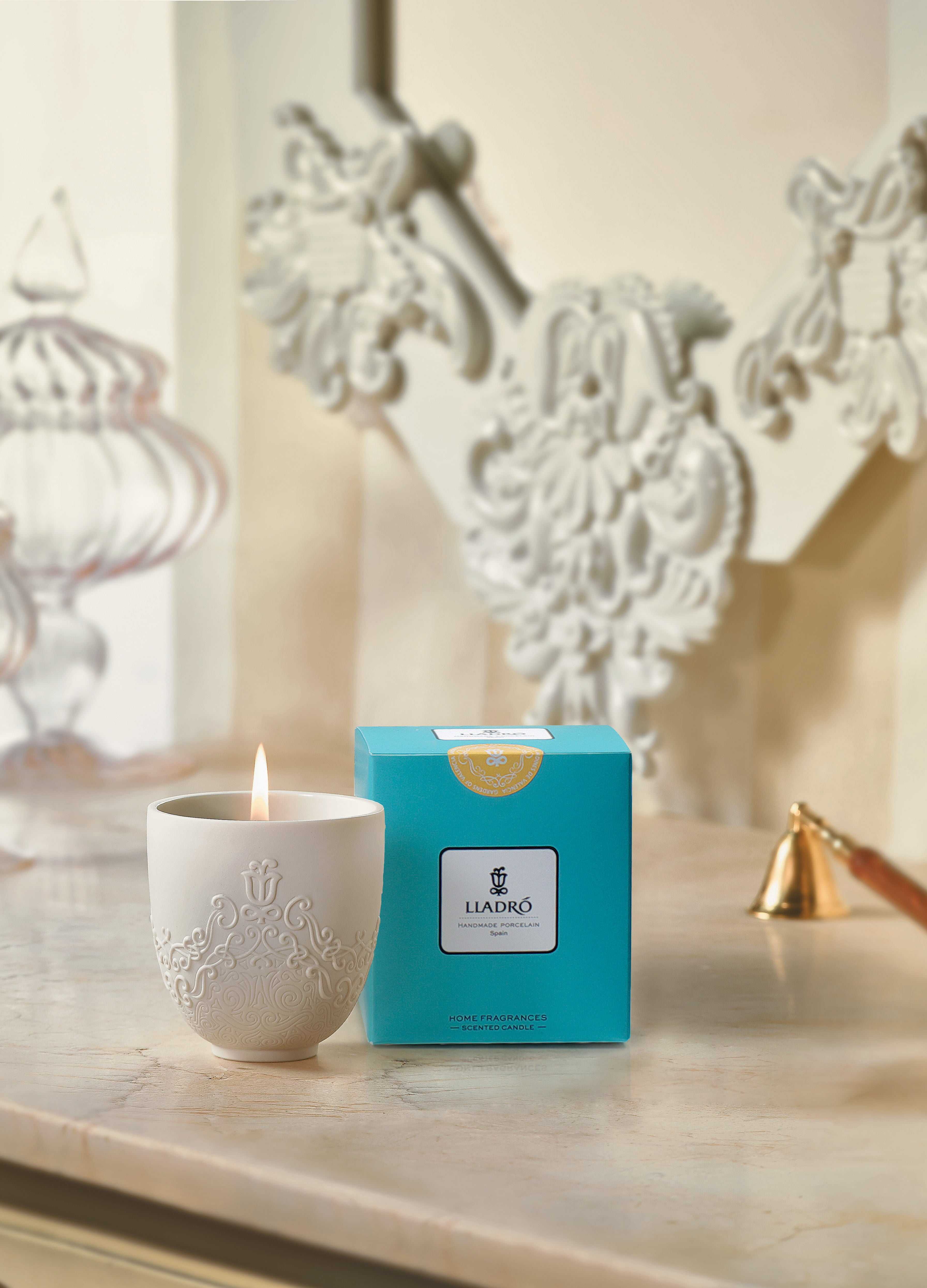 Volutes Candle. Gardens of Valencia Scent