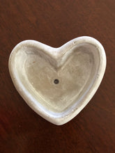 Load image into Gallery viewer, Small love heart pots
