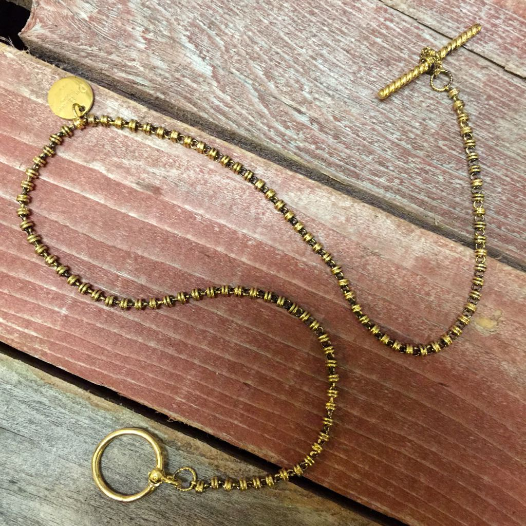 Links 3mm T-Bar Toggle Necklace (Antique Gold)