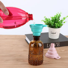 Load image into Gallery viewer, Mini Portable Silicone Collapsible Funnel