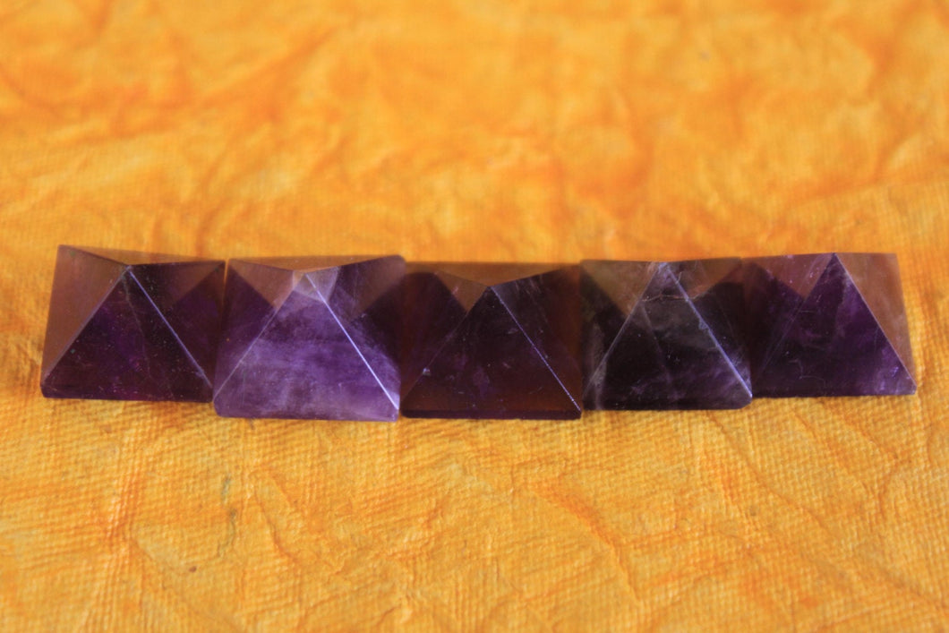 Purple Amethyst Crystal Pyramid Gemstone Natural set of 5 - 18 to 22 MM for Point healing, Crystal healing & Feng shui