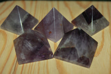 Load image into Gallery viewer, Fine polished Amethyst - Pyramid 25 -32 MM 5 pieces