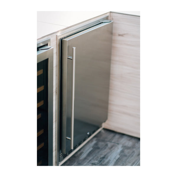 Summerset 24-Inch 5.3c Outdoor Rated Refrigerator w/ Door Lock (Right Hinge) - SSRFR-24S