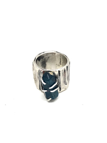 Ridged Shank Raw Apatite Ring OMASRHCG-1