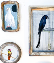 Load image into Gallery viewer, BIRD PAINTING ON TRAY - HUMMINGBIRD