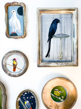 Load image into Gallery viewer, BIRD PAINTING ON TRAY - STRIPED