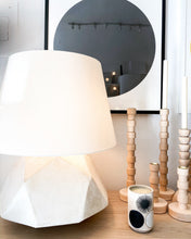 Load image into Gallery viewer, GEODE TABLE LAMP