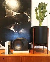 Load image into Gallery viewer, BLACK PLANTERS WITH DARK TEAK BASE