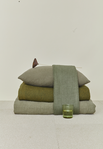 SIMPLE LINEN THROW BLANKET - OLIVE
