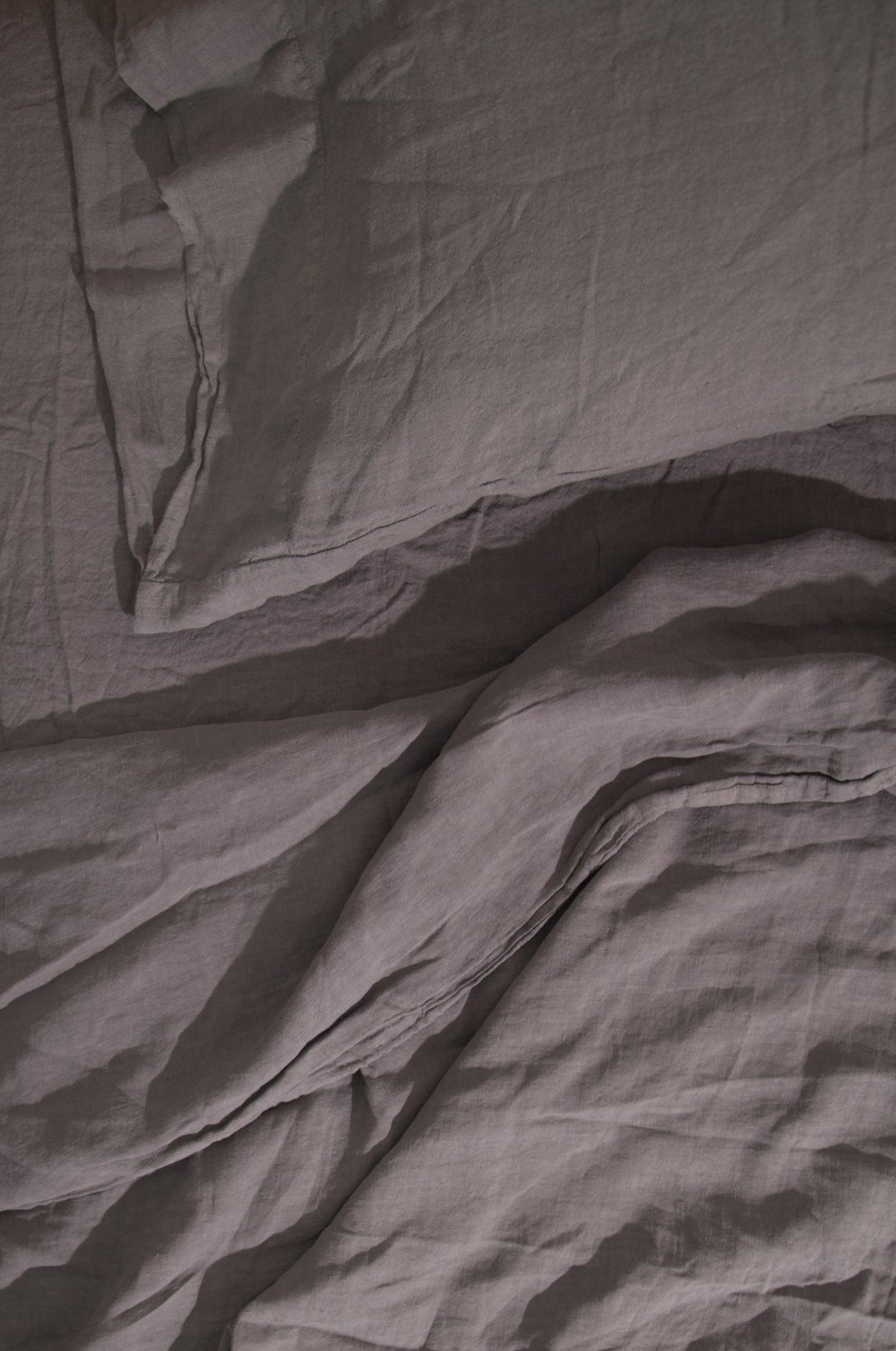 LINEN BEDDING - DARK GREY