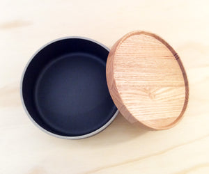 HASAMI PORCELAIN MEDIUM BOWL + LID - BLACK