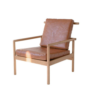 OAK & LEATHER LOUNGE CHAIR - CARAMEL