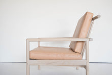 Load image into Gallery viewer, OAK & LEATHER LOUNGE CHAIR - NUDE
