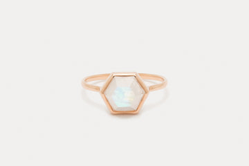 Tuhla Ring <br> Moonstone ⟡ Gold