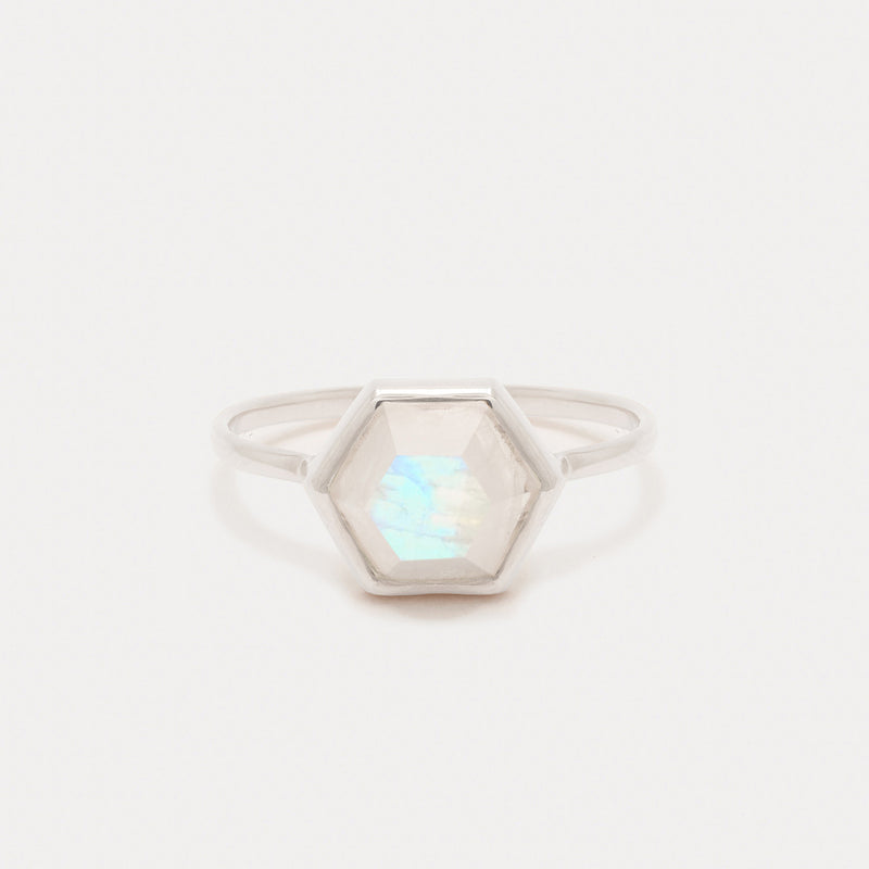 Tuhla Ring <br> Moonstone ⟡ Silver