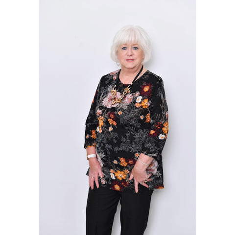 Saloos - Long sleeved Flower Print Top with Necklace
