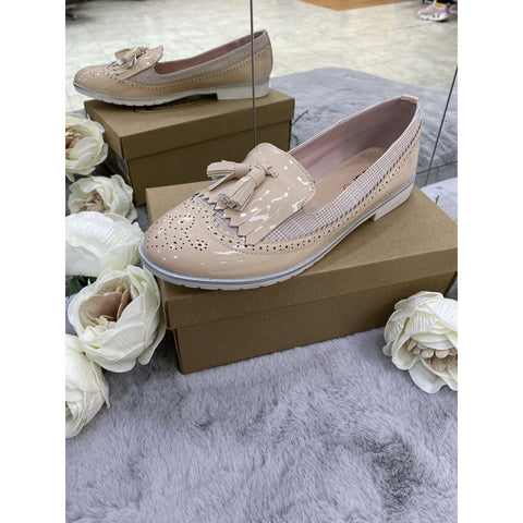 Nude Brogue Pump - Kirkwood of Scotland