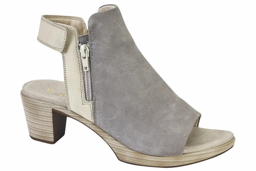 Naot Favorite Light Gray/Beige Nubuck (Women)
