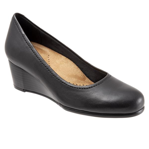 Trotters Winnie Black Leather Wedge (Women)