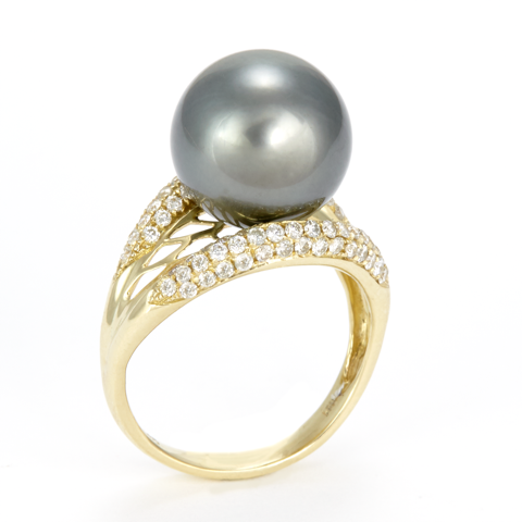 14K Yellow Gold Diamond and Black Pearl Ring