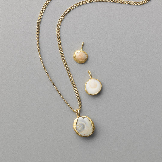ON & ON x Jenna Katz 22k gold Shiva Shell Pendant