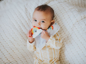 SILLI RAINBOW BANDANA BIB SET WITH RAINBOW TEETHER & STRAP