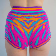 Load image into Gallery viewer, SEA DRAGON KNIT HOTPANTS