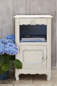 Annie Sloan Chalk Paint™ Original Side Table