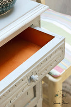 Load image into Gallery viewer, Annie Sloan Chalk Paint™ Paris Grey Side Table Detail