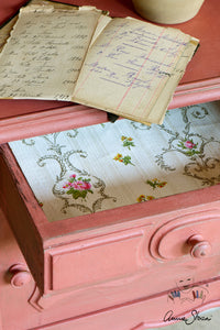 Annie Sloan Chalk Paint™ Scandinavian Pink Side Table details