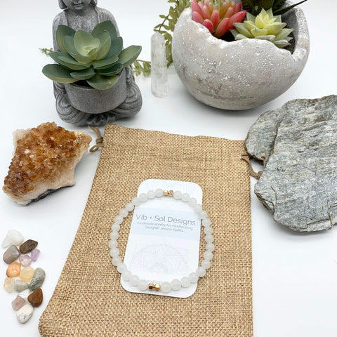 Cleansing Calm White Quartz Gemstone Gold Bracelet