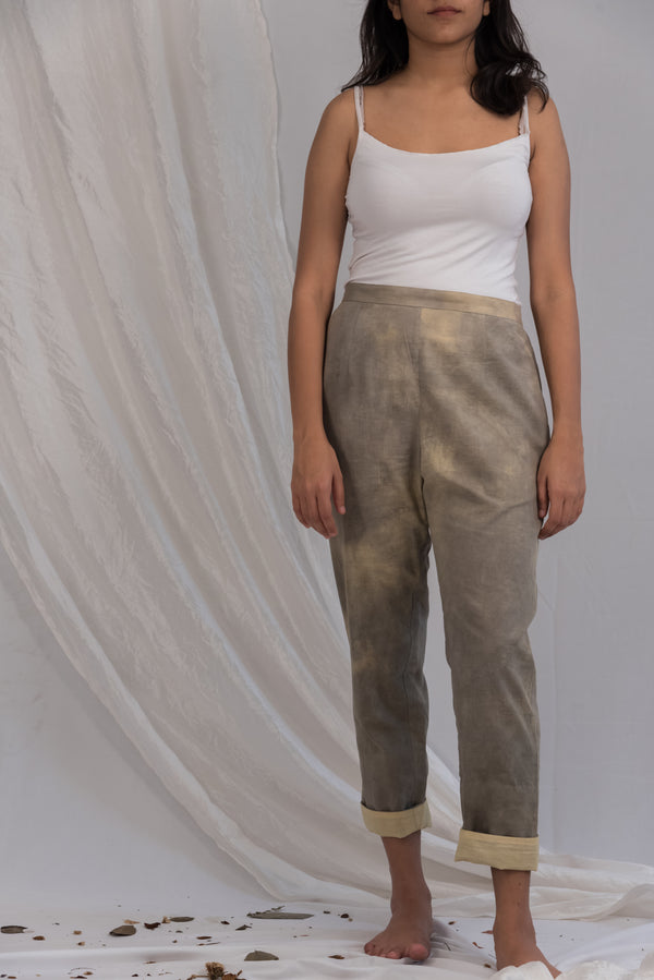 Tapered Pant with hem fold