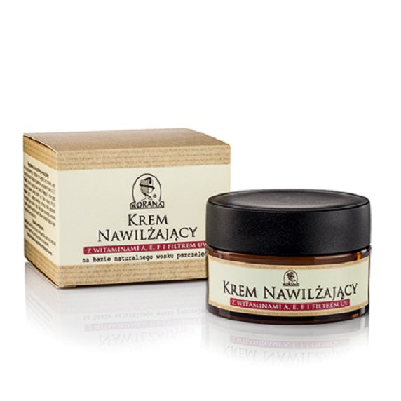 Moisturizing cream with vitamins A E and F based on beeswax