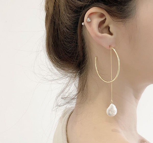 Asymmetry Round Drop Earring with Baroque Pearl