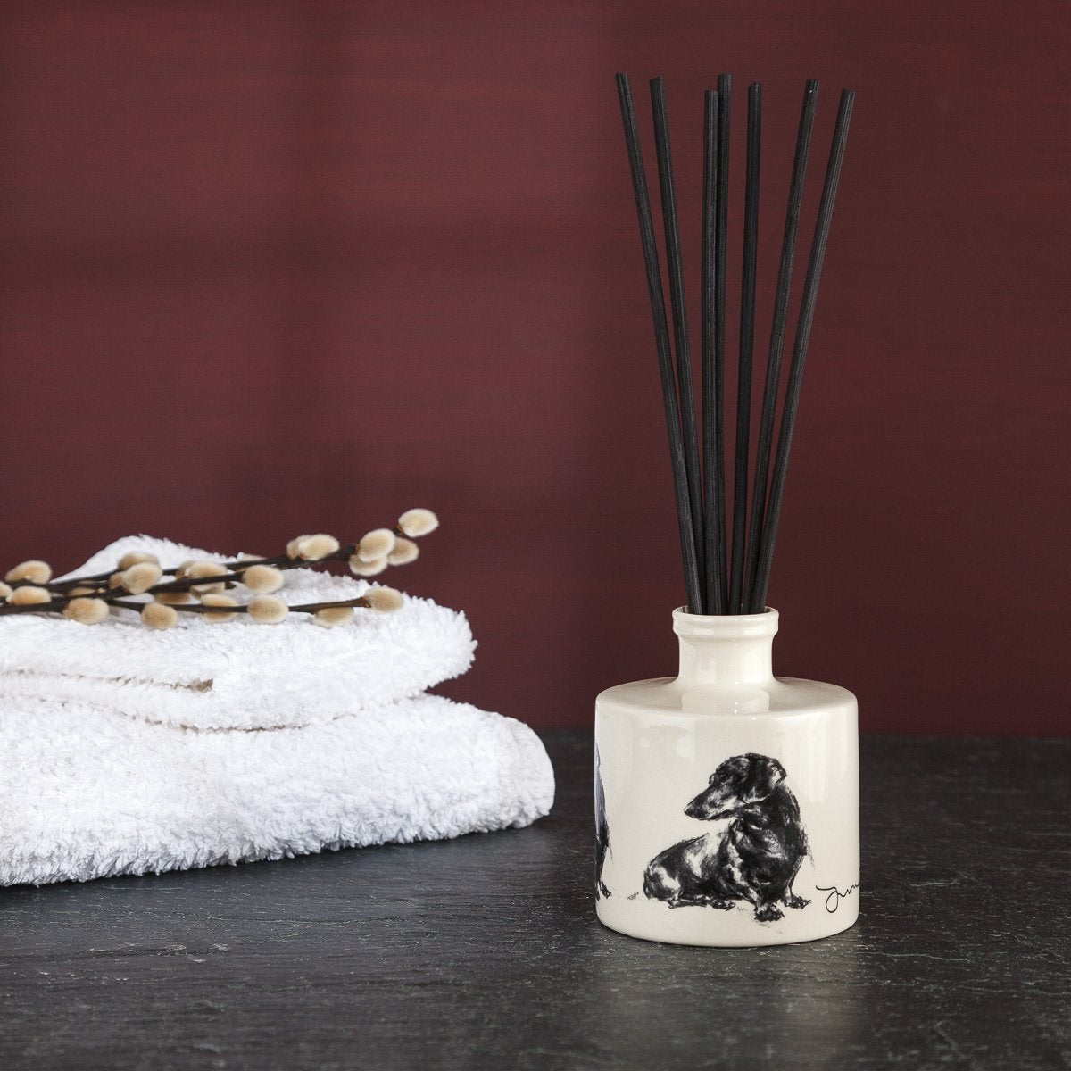 Seated Daxi Room Diffuser